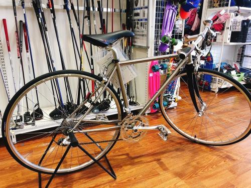 自転車のロードバイクバイク