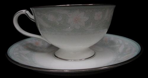 洋食器のカップ&ソーサーセット