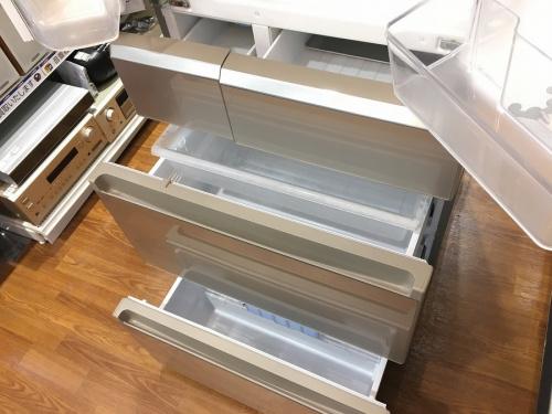大型冷蔵庫の洗濯機