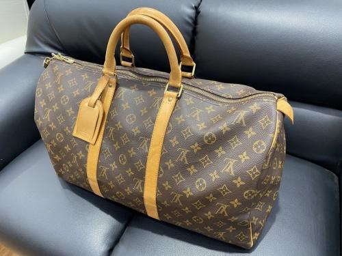 バッグのトラベルバッグ