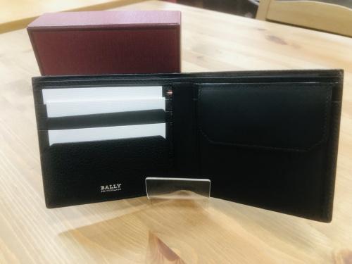 財布のBALLY