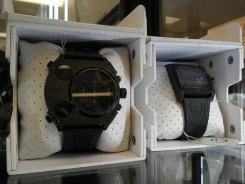 腕時計のシルバーリング