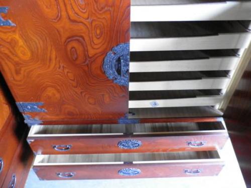 レトロ家具の時代箪笥