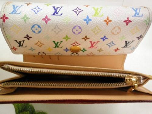 3折財布のマルチカラー
