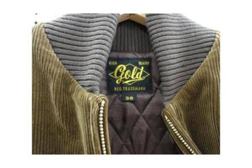 ジャケットのGold