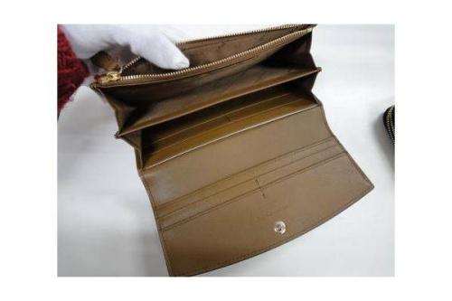 財布のBURBERRY