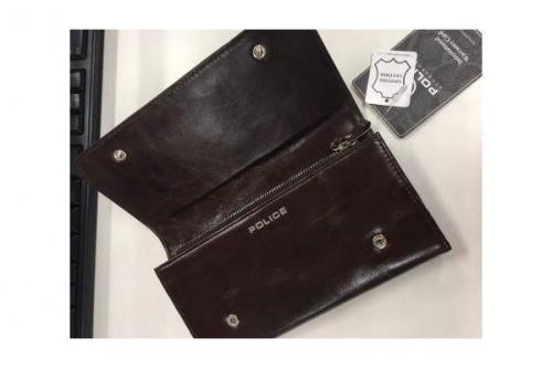 財布のPOLICE