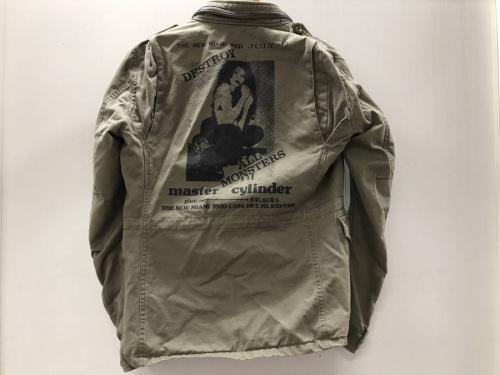 ジャケットのヒステリックグラマー