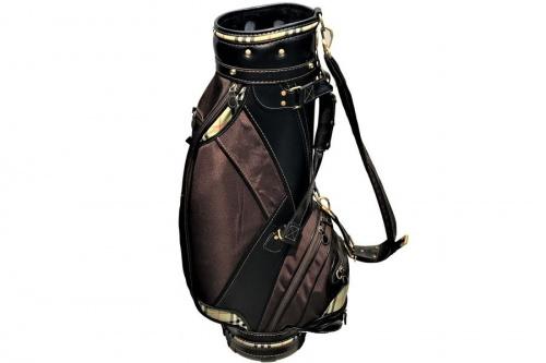 キャディーバッグのゴルフ用品
