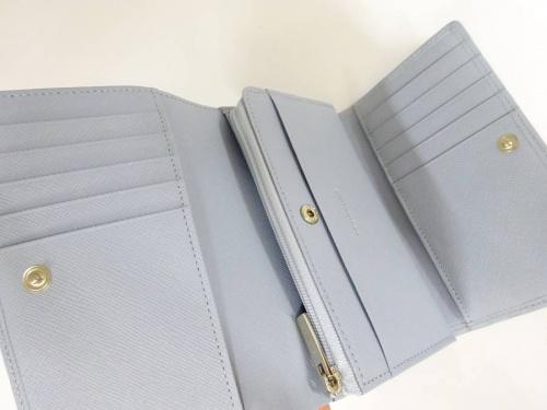 バーバリー(BURBERRY)の財布