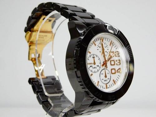 腕時計のDEISEL