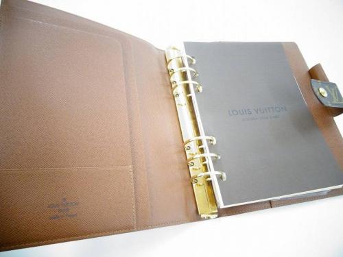 手帳カバーのルイヴィトン(LOUIS VUITTON)