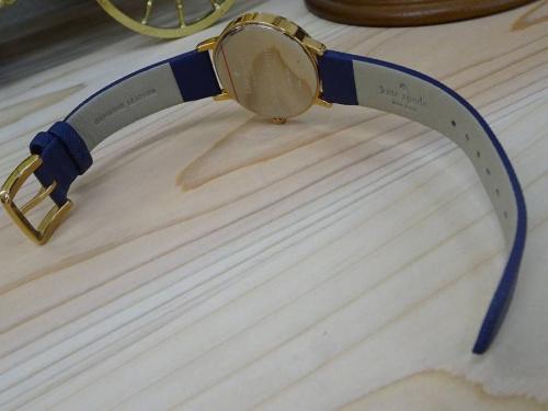 バッグの腕時計