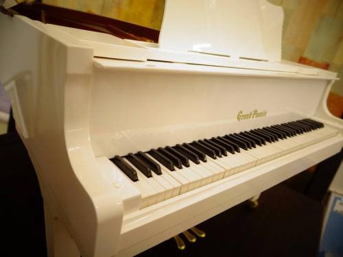 雑貨のグランドピアノ