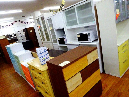 関西の大阪八尾店家具