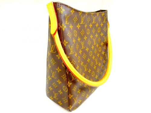 バッグのLOUIS VUITTON