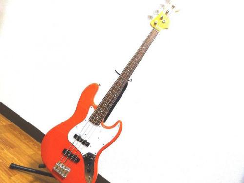 ギターのSquier