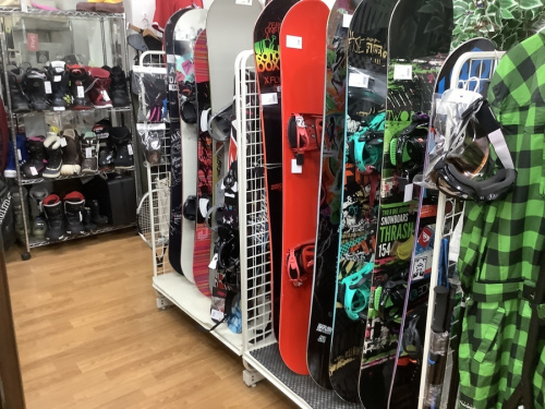 スキーのスノボー