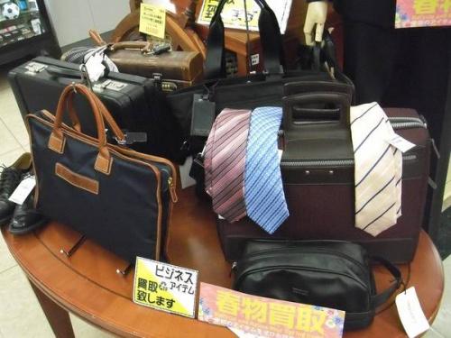 ビジネススーツのネクタイ