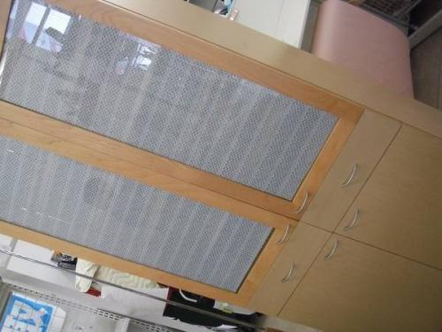 家具・インテリアの2枚扉カップボード