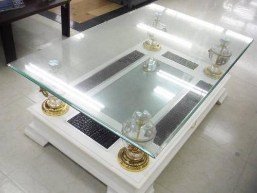 コレクションボードのインテリア家具