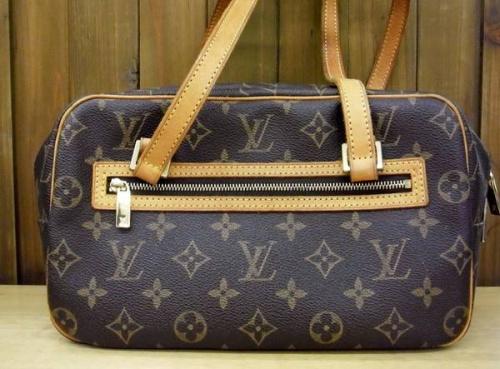 財布のLOUIS VUTTON