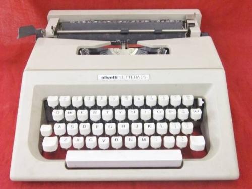 タイプライターのレトロ雑貨