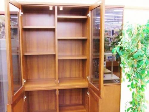 生松工芸の本棚
