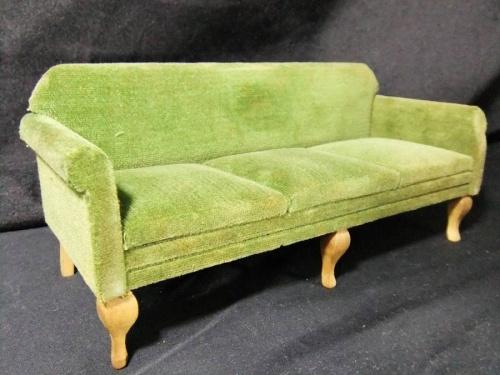 ミニチュアの家具