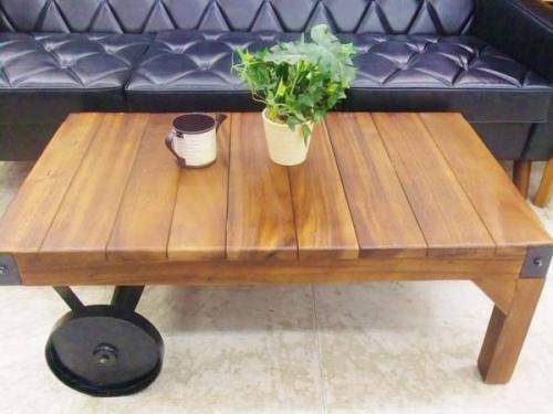 トローリーテーブルのリビングテーブル