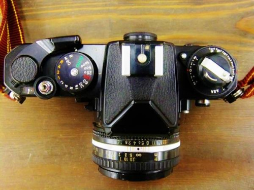 ニコン(NIKON)のカメラ