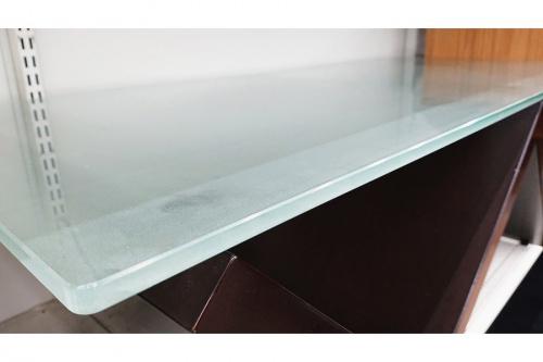 ガラステーブルのarflex