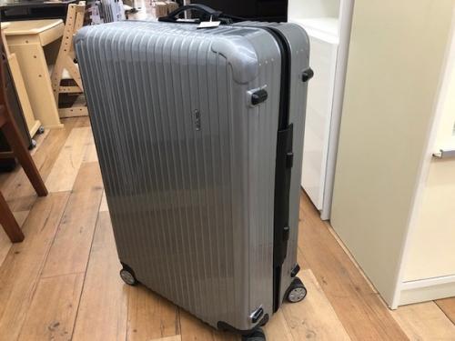 旅行用品のキャリーバッグ