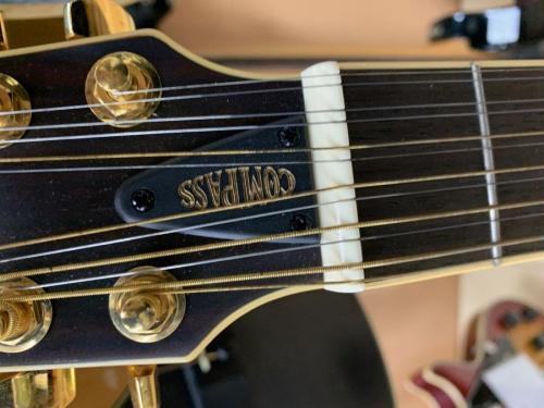 ギターのヤマハ