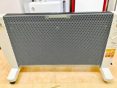 季節家電のパネルヒーター