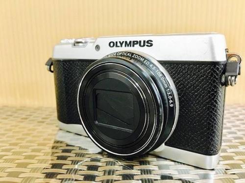 デジタルカメラの中古カメラ 摂津