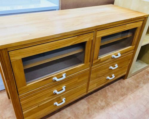 家具のリビングボード