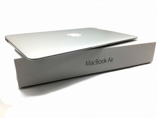 MacBook Airのノートパソコン