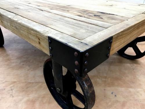 トロリーテーブルの家具 中古