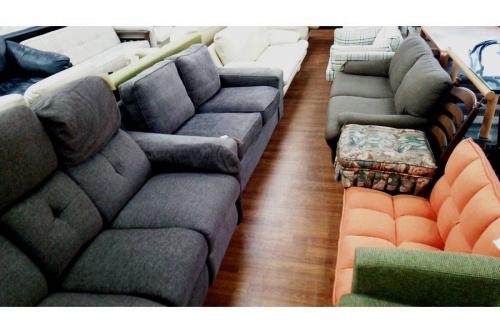 KEYUCAの3人掛けソファー