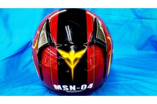 ヘルメットのガンダム