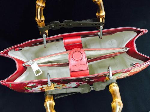 トートバッグのハンドバッグ