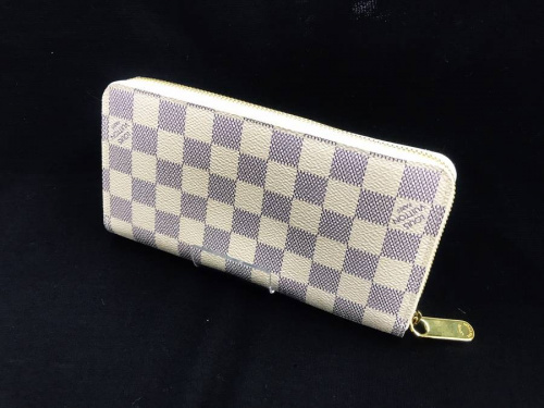 財布のLOIS VUITTON
