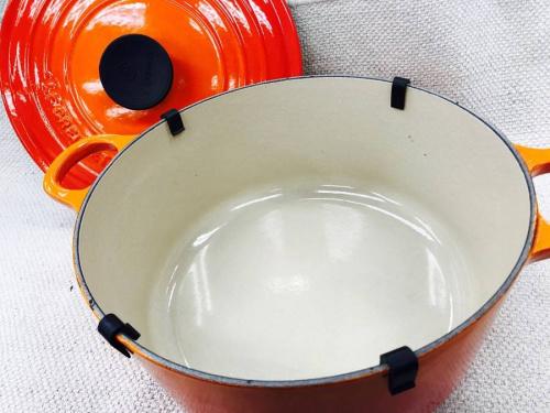 両手鍋の食器