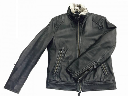 ジャケットのバーバリー(BURBERRY)