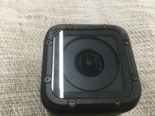 デジタルカメラのアクションカメラ