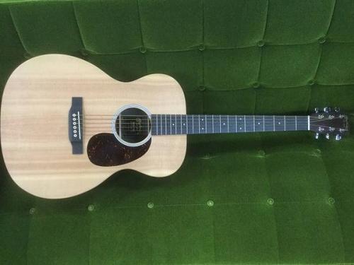 ギターのエレキギター