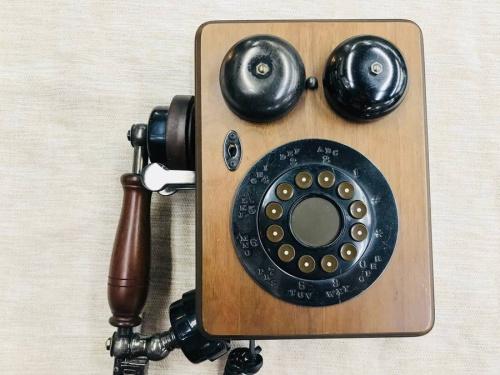 置物の電話