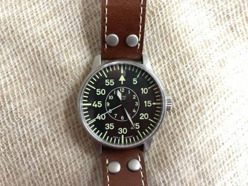 腕時計のパイロット