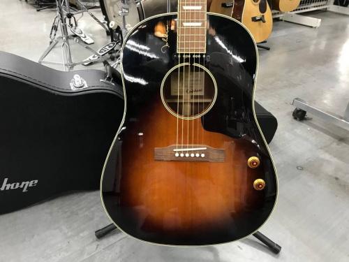ギターのアコ